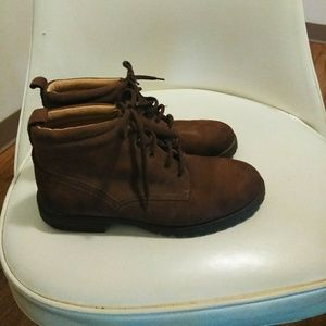 St. Johns Bay Brown Soft Leather boots sz 6.5